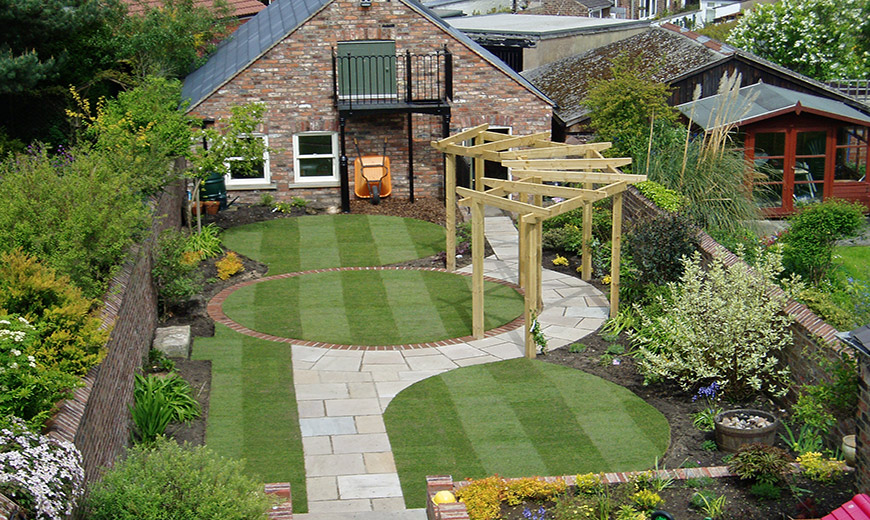 Landscaping garden maintenance uckfield building services for Landscaped back gardens